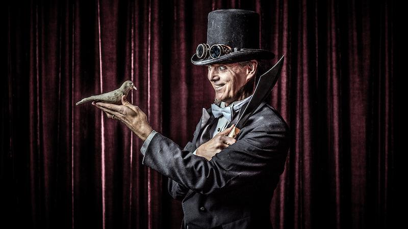 """Frank Olivier's """"Twisted Cabaret"""""""