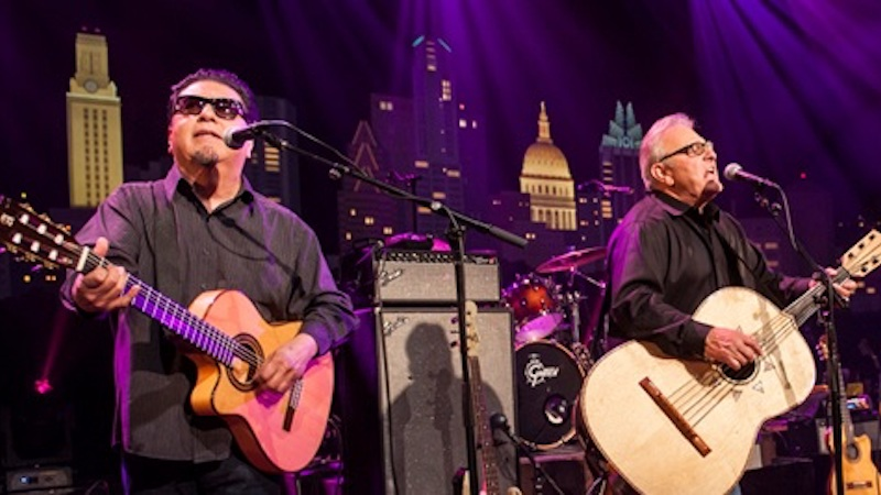 photo of Los Lobos on stage